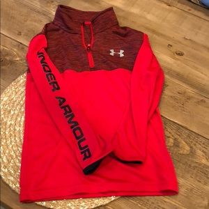 Boys long sleeve under armour pullover Size 6